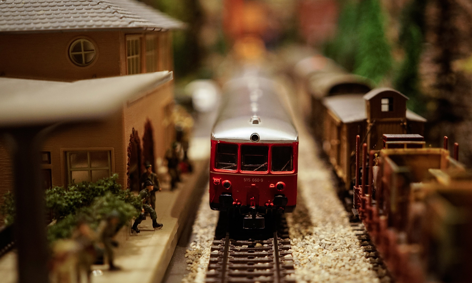 Train, Insignificance, wheels